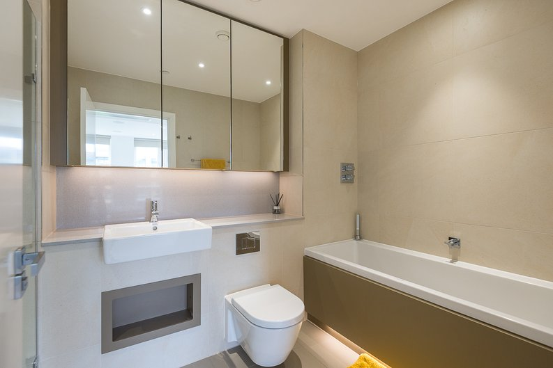 2 bedroom(s) apartment to sale in Westbourne Apartments, Central Avenue, Fulham-image 12