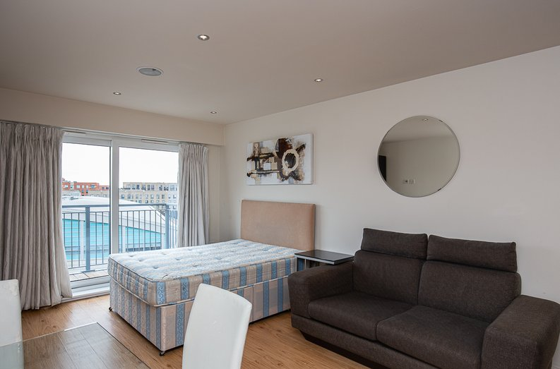 1 bedroom(s) apartment to sale in Curtiss House, 27 Heritage Avenue, Beaufort Park, Colindale-image 5