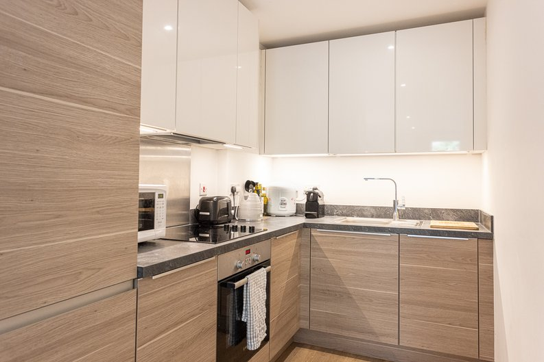 1 bedroom(s) apartment to sale in Ashton Reach, Surrey Quays, London-image 2