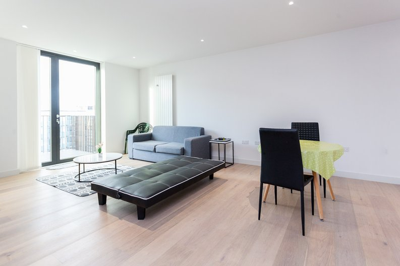 1 bedroom(s) apartment to sale in Masthead House, 14 Rope Terrace, London-image 1
