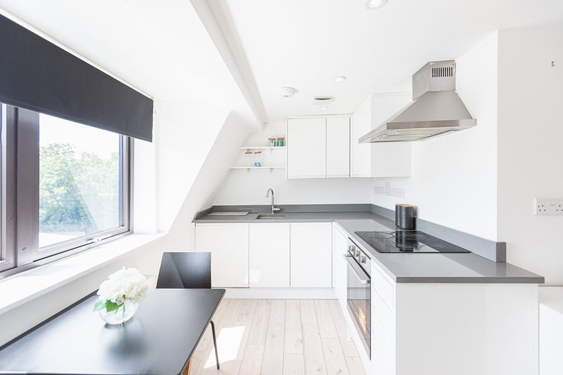 Studio apartment to sale in Prospect House, 67 St John's Road, Hounslow, London-image 10