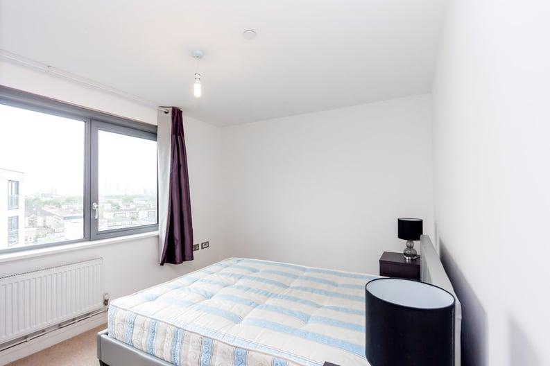 2 bedroom(s) apartment to sale in Craig Tower, Aqua Vista Square, Bow-image 4