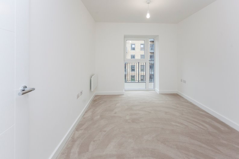 2 bedroom(s) apartment to sale in Fairbank House, 13 Beaufort Square, Beaufort Park-image 6