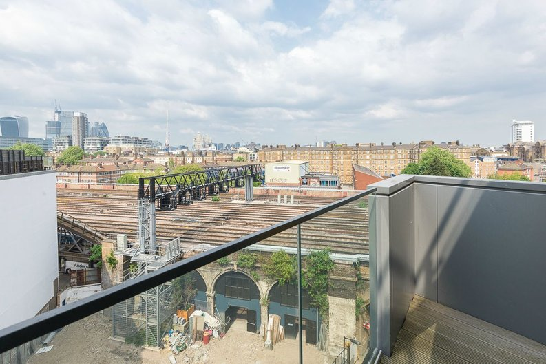 1 bedroom(s) apartment to sale in Arc House, 16 Maltby Street, London-image 8