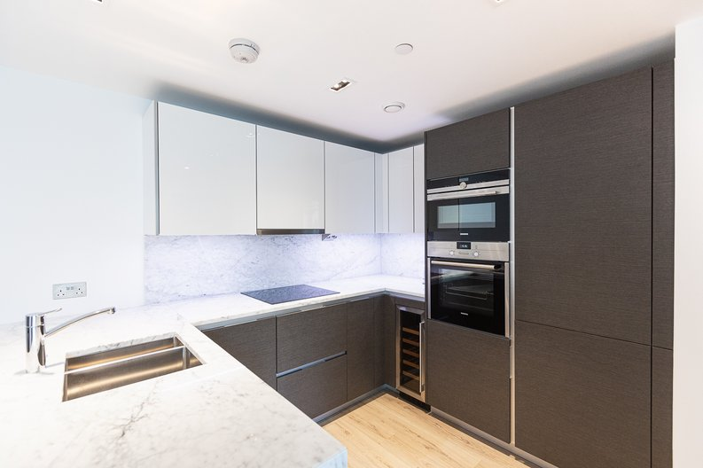 2 bedroom(s) apartment to sale in Marquis House, Sovereign Court, Hammersmith-image 12