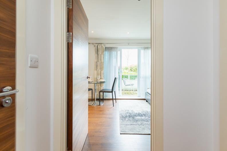 Studio apartment to sale in Napier House, Bromyard Avenue, London-image 5