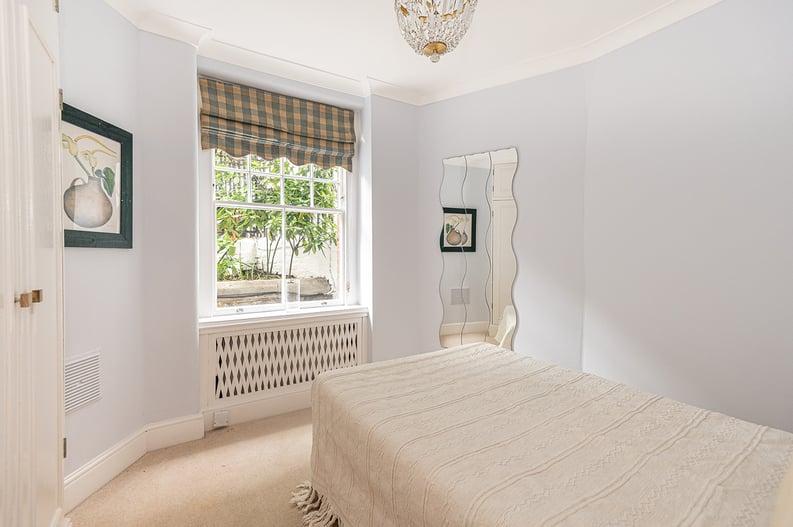 3 bedroom(s) apartment to sale in Walton Street, Kensington/Chelsea, London-image 17