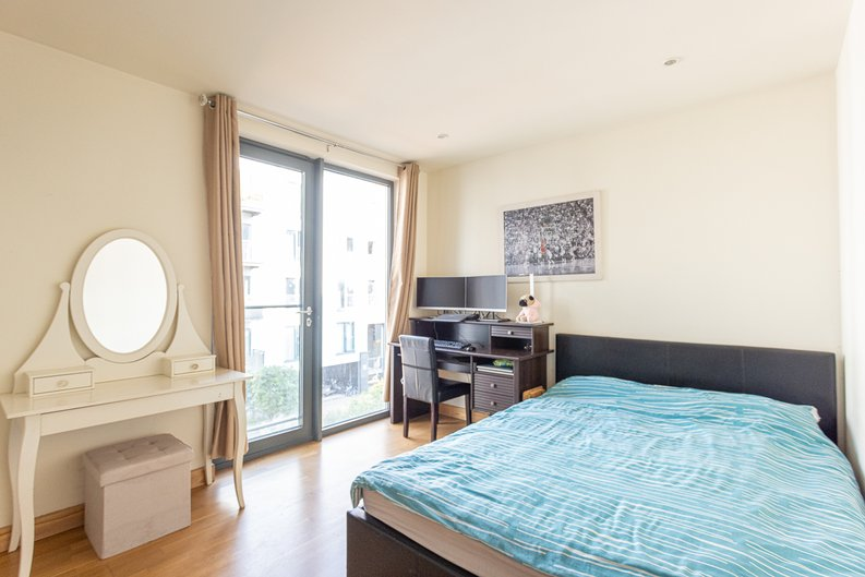 2 bedroom(s) apartment to sale in Roach Road, Hackney Wick, London-image 3