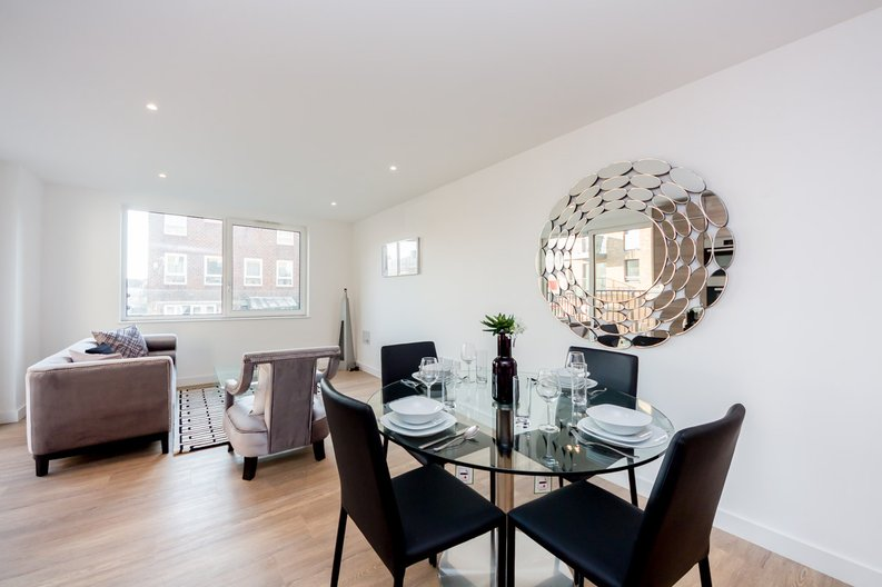 2 bedroom(s) apartment to sale in Cleveley Court, Ashton Reach, Marine Wharf , London-image 3