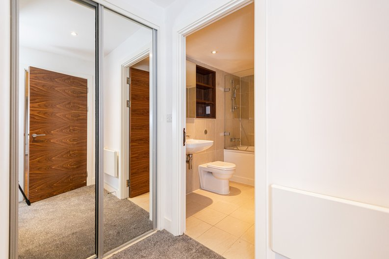 2 bedroom(s) apartment to sale in Napier House, Bromyard Avenue, London-image 8