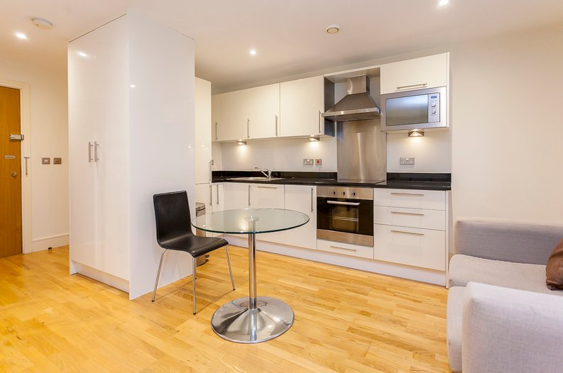 1 bedroom(s) apartment to sale in Cobalt Point, Lanterns Court, Millharbour, Canary Wharf-image 7