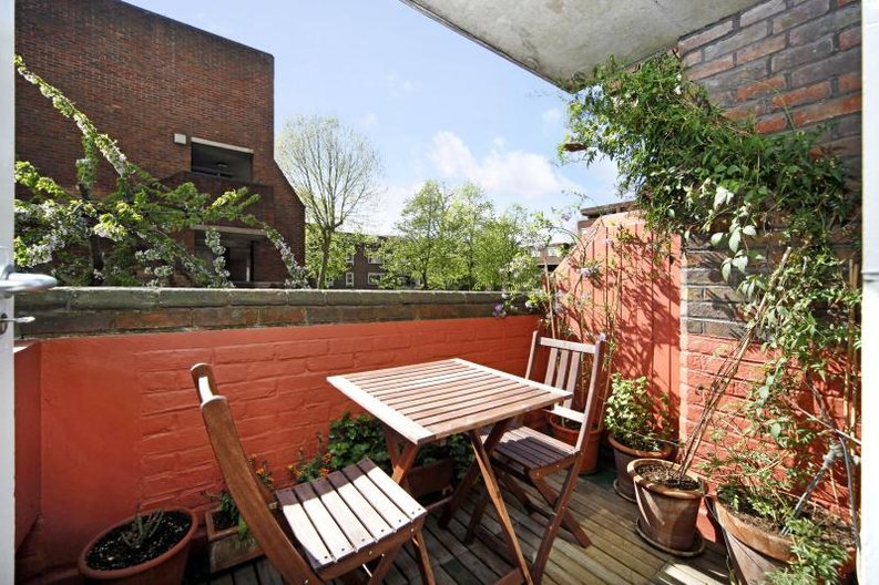 3 bedroom(s) apartment to sale in Anglebury House, Talbot Road, Notting Hill-image 8