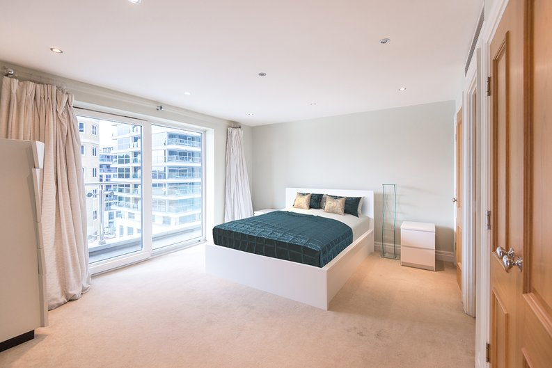 3 bedroom(s) apartment to sale in Waterside Tower, The Boulevard, Imperial Wharf, London-image 9