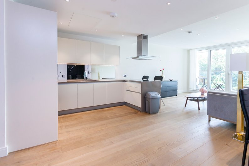 2 bedroom(s) apartment to sale in Cascade Court, Vista Chelsea Bridge, Battersea-image 2
