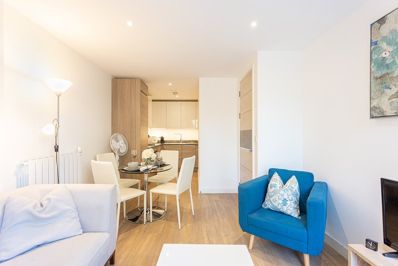 1 bedroom(s) apartment to sale in Ashton Reach, Surrey Quays, London-image 8
