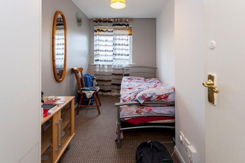 2 bedroom(s) apartment to sale in Greenslade Road, Greater London, Barking-image 5