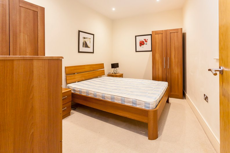 2 bedroom(s) apartment to sale in Denison House, Lanterns Court, Canary Wharf-image 9
