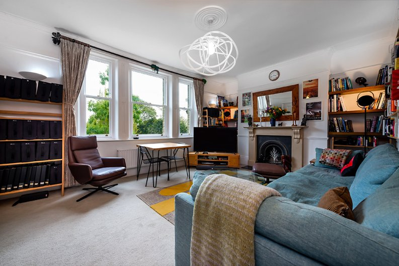 3 bedroom(s) apartment to sale in Hampstead Lane, Highgate-image 11