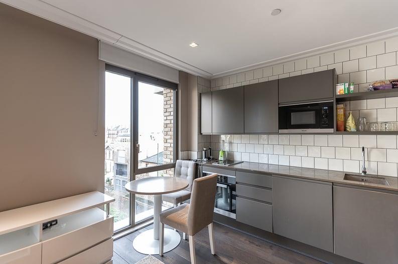 1 bedroom(s) apartment to sale in Queens Wharf, Crisp Road, Hammersmith-image 2