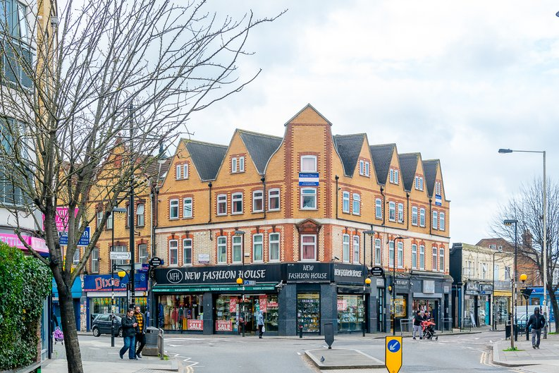 1 bedroom(s) apartment to sale in Samuelson House, Greenview Court, Southall, London-image 10