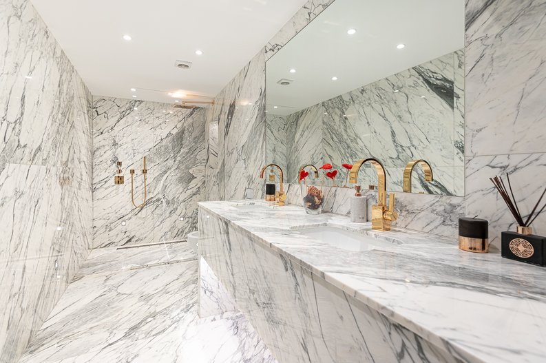 2 bedroom(s) apartment to sale in Park Street, Mayfair, London-image 4