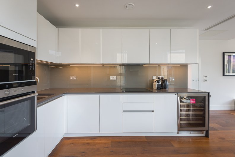 2 bedroom(s) apartment to sale in Westbourne Apartments, Central Avenue, Fulham-image 6