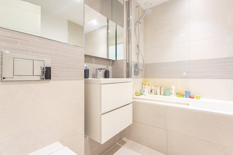 2 bedroom(s) apartment to sale in Cadmus Court, Seafarer Way, Surrey Quays, London-image 13