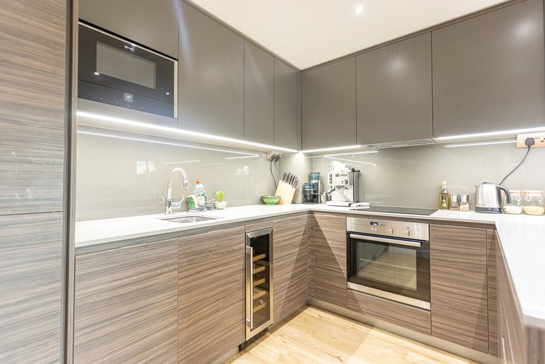 1 bedroom(s) apartment to sale in Beaufort Square, Colindale, London-image 5