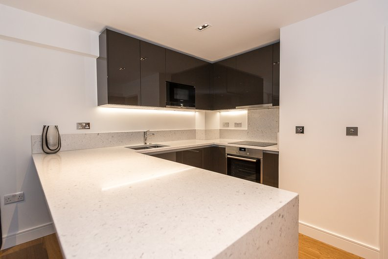 1 bedroom(s) apartment to sale in Fitzroy House, Dickens Yard, Ealing-image 4