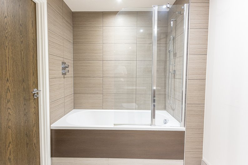 1 bedroom(s) apartment to sale in Carleton House, Boulevard Drive, Beaufort Park-image 11