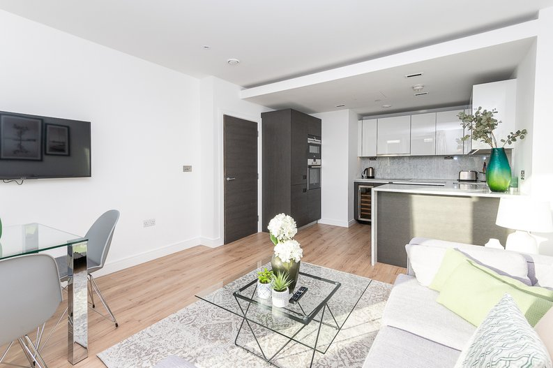 2 bedroom(s) apartment to sale in Glenthorne Road, Hammersmith, London-image 17