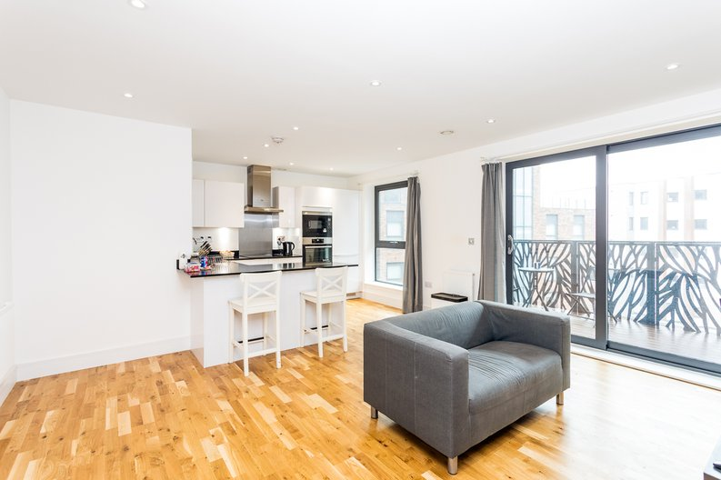 1 bedroom(s) apartment to sale in Cityview Point, Leven Road, Poplar-image 1