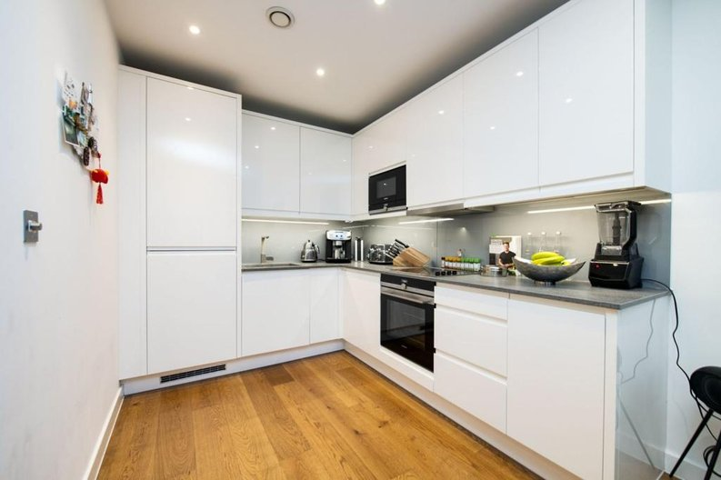 1 bedroom(s) apartment to sale in Newington House, 10 Lismore Boulevard, Colindale Gardens-image 2