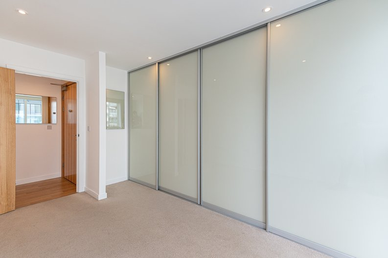 2 bedroom(s) apartment to sale in Goodchild Road, Woodberry Down, London-image 18