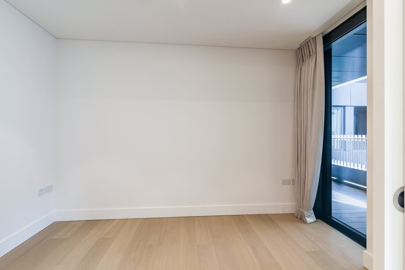 3 bedroom(s) apartment to sale in Rathbone Place, Fitzrovia-image 12