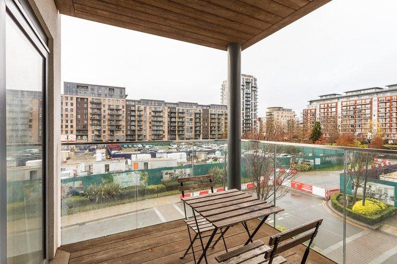 2 bedroom(s) apartment to sale in Empire House, East Drive, Beaufort Park, Colindale-image 18