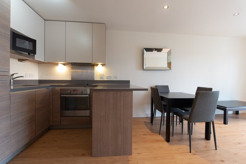 1 bedroom(s) apartment to sale in East Drive, London-image 13