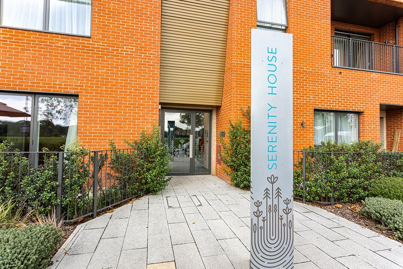 2 bedroom(s) apartment to sale in Lismore Boulevard, Colindale, Colindale Gardens, London-image 10