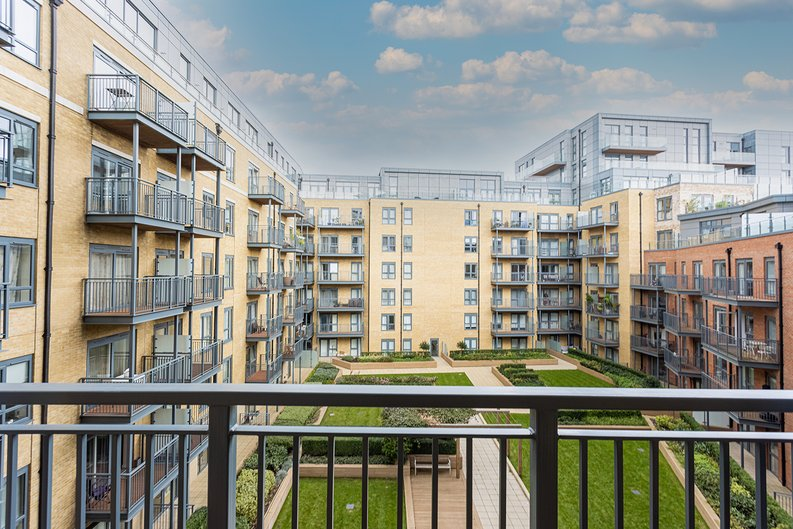 2 bedroom(s) apartment to sale in Aerodrome Road, Colindale, London-image 5