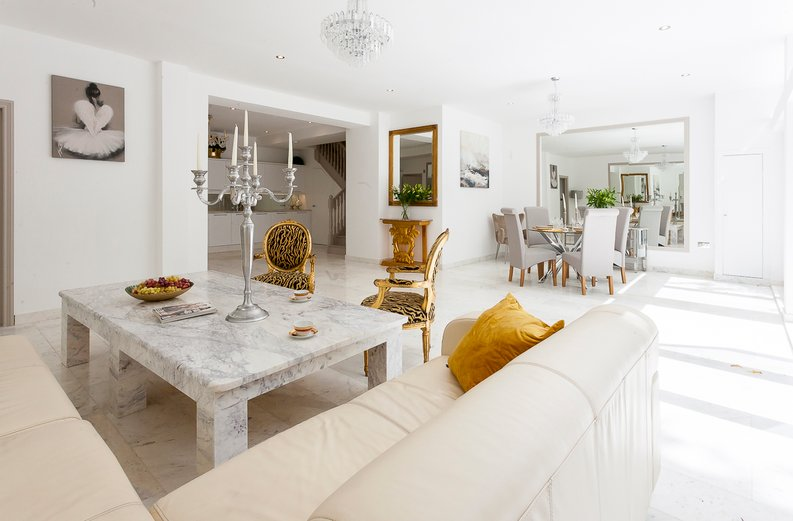 3 bedroom(s) apartment to sale in Montpelier Road, Ealing-image 3