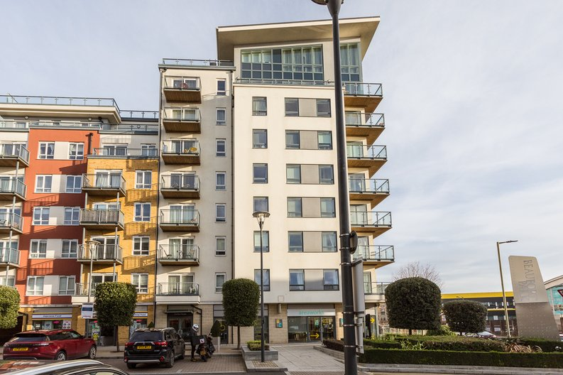 1 bedroom(s) apartment to sale in Curtiss House, Heritage Avenue, Beaufort Park, Colindale-image 13