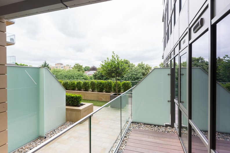 2 bedroom(s) apartment to sale in Dashwood House, Dickens Yard,, Ealing-image 7