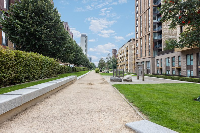 1 bedroom(s) apartment to sale in Seafarer Way, Surrey Quays, London-image 12