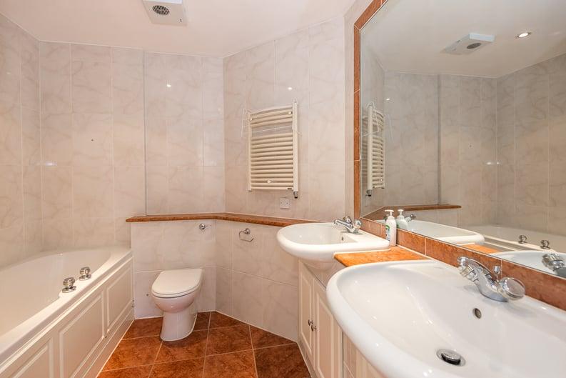 2 bedroom(s) apartment to sale in Chelsea Gate Apartments, 93 Ebury Bridge Road, Sloane Square-image 6