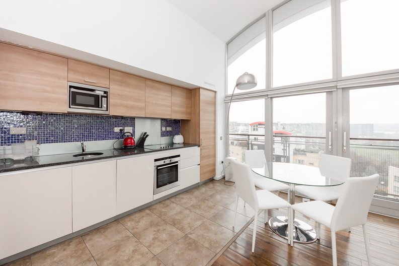 2 bedroom(s) apartment to sale in Metcalfe Court, John Harrison Way, Greenwich Millennium Village , Greenwich-image 5