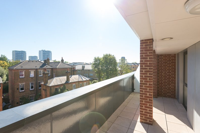 1 bedroom(s) apartment to sale in Butler House, 6 Dixon Butler Mews, London-image 8