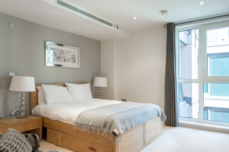 2 bedroom(s) apartment to sale in Regal House, Lensbury Avenue, Imperial Wharf, London-image 3