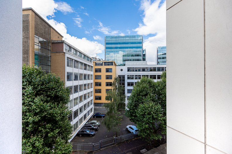 2 bedroom(s) apartment to sale in Marquis House, Sovereign Court, Hammersmith-image 10