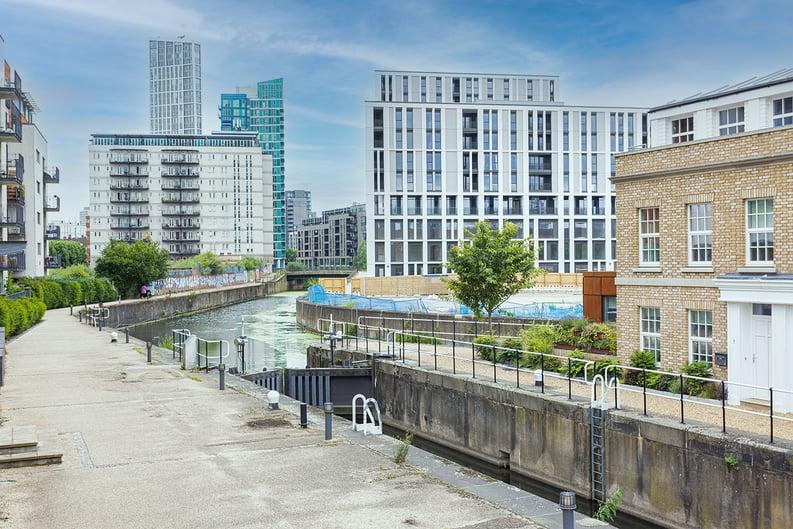 2 bedroom(s) apartment to sale in 10 Marshgate Lane, Stratford, London-image 2