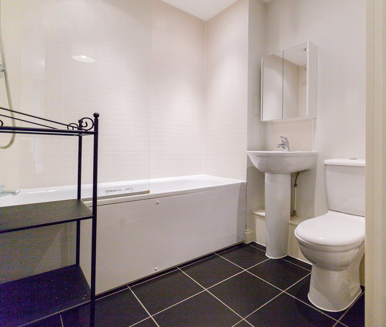 1 bedroom(s) apartment to sale in Conrad Court, 2 Needleman Close, Colindale Gardens, Colindale-image 5